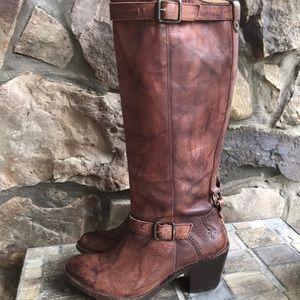 ⭐️ Frye boots